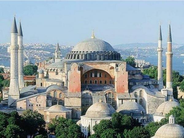 Με ταχείς ρυθμούς η μετατροπή της Αγίας Σοφίας σε τζαμί - Έκλεισε για τους επισκέπτες