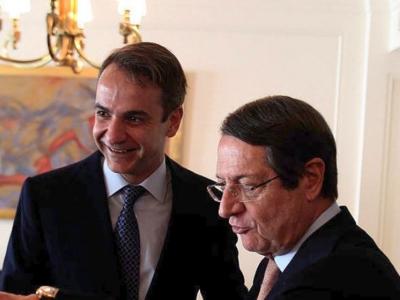 Σε εξέλιξη η συνάντηση του πρωθυπουργού με τον Νίκο Αναστασιάδη