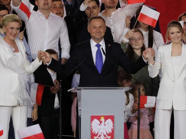 Πολωνία: Ο Αντρέι Ντούντα νικητής των προεδρικών εκλογών