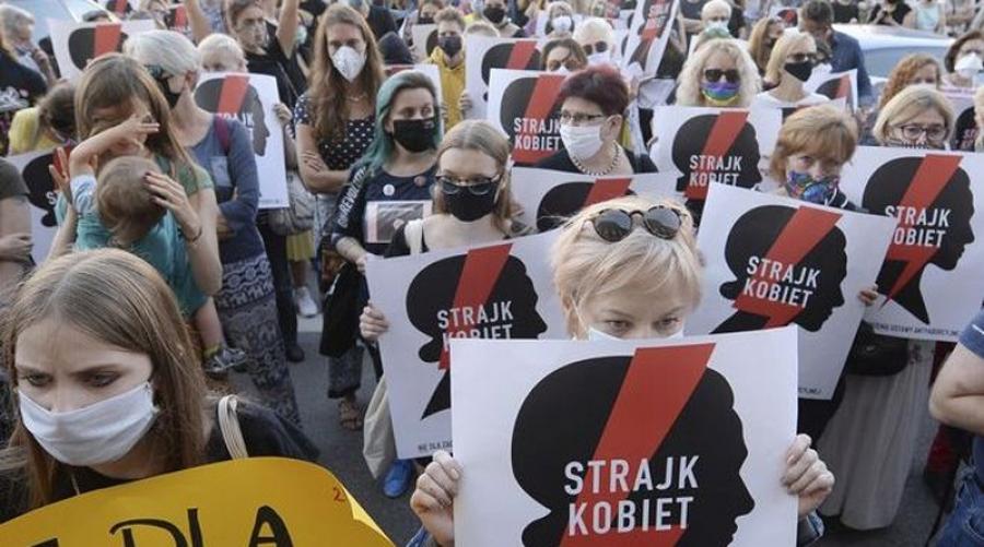 Η Πολωνία αποχωρεί από την ευρωπαϊκή σύμβαση κατά της βίας των γυναικών