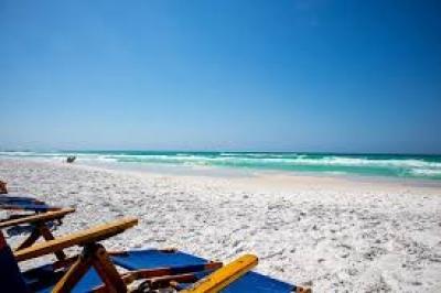 Στην Ιταλία σκέφτονται για παραβάν από πλεξιγκλάς στις παραλίες