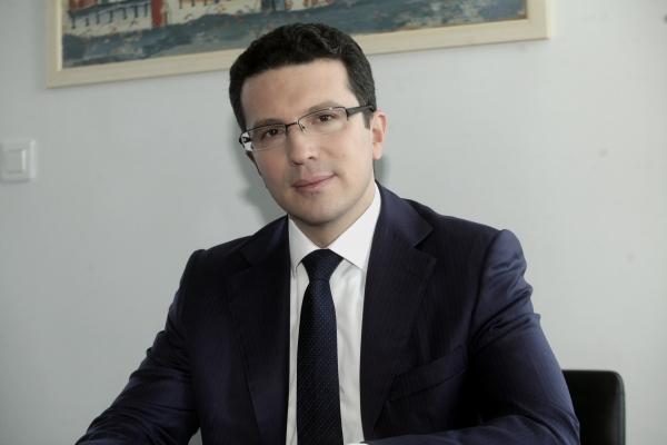 Ρ. Λαμπίρης: «Ο Covid-19 ενίσχυσε την αποφασιστικότητά μας να προχωρήσουμε το πρόγραμμα ιδιωτικοποιήσεων για το δημόσιο καλό»