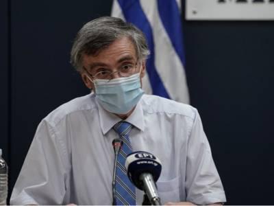 Επιστροφή του Σωτήρη Τσιόδρα στην έκτακτη ενημέρωση για τους εμβολιασμούς (LIVE)