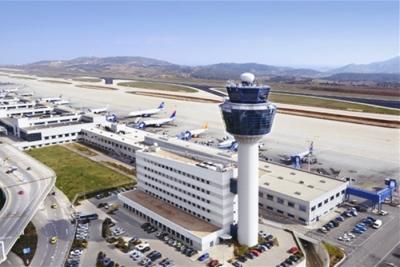 Νέα αεροπορική οδηγία για 7ήμερη καραντίνα όλων των επιβατών εξωτερικού