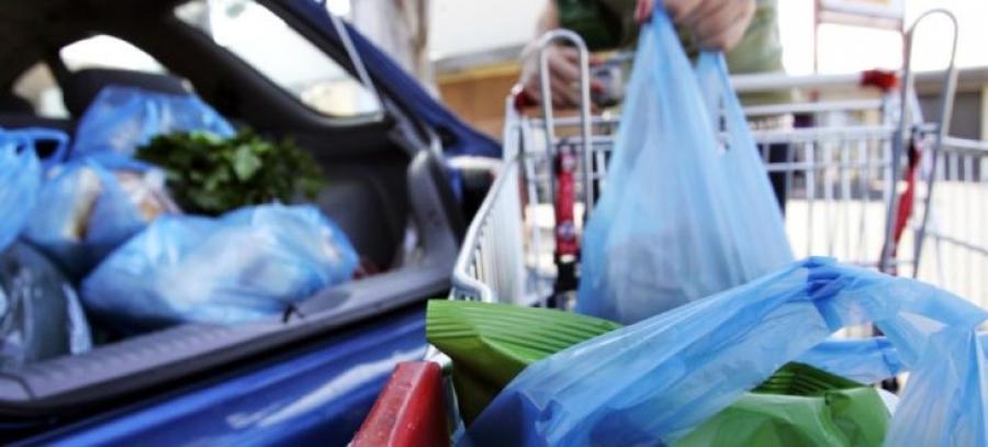 Έρχεται νέο χαράτσι στις πλαστικές σακούλες - Θα πληρώνουμε και αυτές που δίνουν περίπτερα και λαικές αγορές