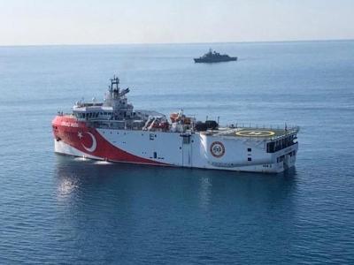 Πέτσας: Η απόσυρση του Oruc Reis οφείλεται στην απομόνωση της Τουρκίας από την ΕΕ - Τσαβούσογλου: Το Oruc Reis επέστρεψε στη βάση του για συντήρηση και θα συνεχίσει τις έρευνες