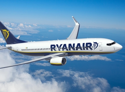 Ryanair: Επιπλέον πτήσεις προς Κρήτη και Σαντορίνη για τις διακοπές half term