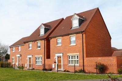 Βρετανία: Στις £215.000 ο μέσος όρος τιμής μιας κατοικίας