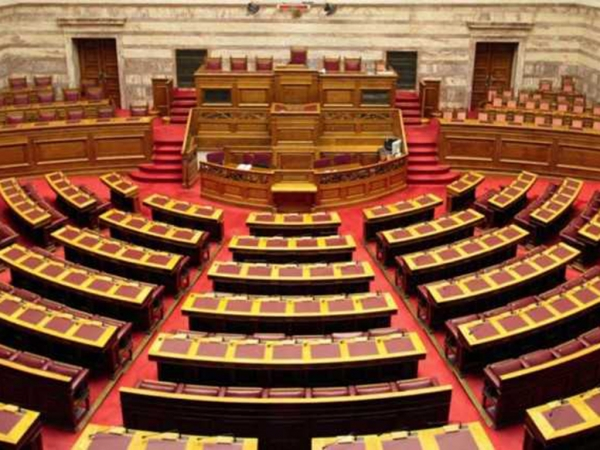 Κατατίθεται η τροπολογία για την επιτάχυνση της απονομής των συντάξεων